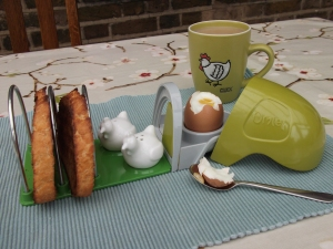 Eglu Classic Breakfast Set